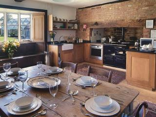 2 bedroom House with Garden in Shipston on Stour - Shipston on Stour vacation rentals