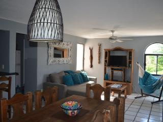 Wow! Only 2 min. walk from the beach & 5th avenue - Playa del Carmen vacation rentals