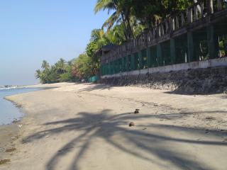 4 bedroom Beach hut with A/C in Lian - Lian vacation rentals