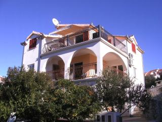 2 bedroom Apartment with Internet Access in Okrug Gornji - Okrug Gornji vacation rentals
