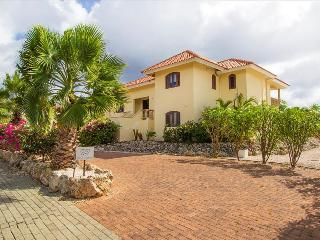 Villa Verano (near beautiful beaches) - Willemstad vacation rentals