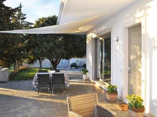 Villa Vanessa - modern country house - Castellana Grotte vacation rentals