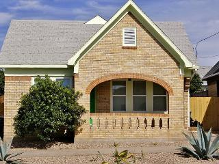 Spirited and chic our East end cottage is a short walk to Seawall! - Galveston vacation rentals