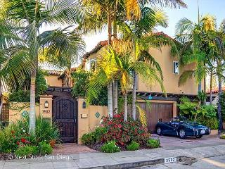 Luxurious, Gated Villa with Glorious Views + Outdoor Living – an Uptown Oasis - San Diego vacation rentals