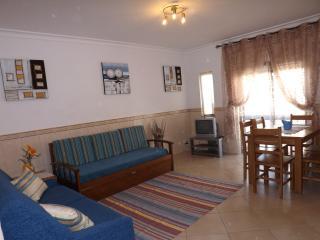 2 bedr. apt (-7) w/pool, tennis, beach nearby - Albufeira vacation rentals