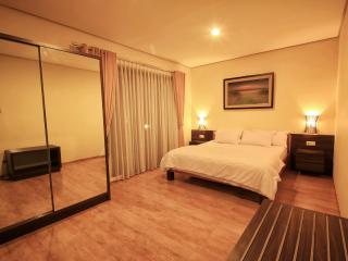 3BR - DE REIZ VILLA DAGO SYARIAH - Bandung vacation rentals