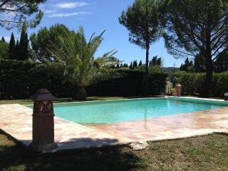 Belle villa au coeur de la provence, piscine - Barbentane vacation rentals