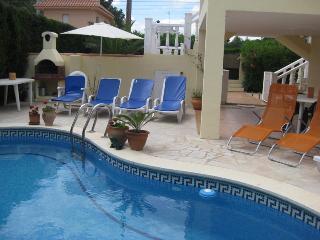 Villa Jordimar,detached,4bedroom,2bath, own pool - L'Ametlla de Mar vacation rentals