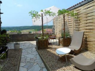 Nice 1 bedroom Le Broc Gite with Television - Le Broc vacation rentals
