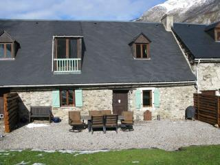 Lovely 3 bedroom Sainte-Marie-de-Campan Gite with Internet Access - Sainte-Marie-de-Campan vacation rentals