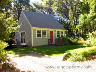 1711 - Beautiful Vineyard Cottage located on the Golf Course in Mink Meadows - Vineyard Haven vacation rentals