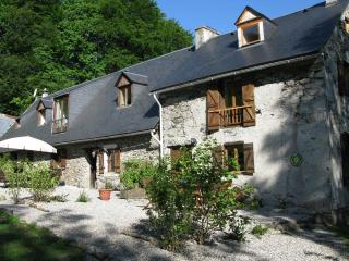 Charming 6 bedroom Gite in Sainte-Marie-de-Campan - Sainte-Marie-de-Campan vacation rentals