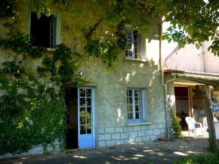 Holiday cottage in Massif Central - Auvergne - Chaumont-le-Bourg vacation rentals