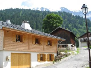 Bright 4 bedroom Ski chalet in Les Contamines-Montjoie - Les Contamines-Montjoie vacation rentals