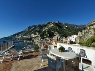 Nice Condo with A/C and Outdoor Dining Area - Amalfi vacation rentals