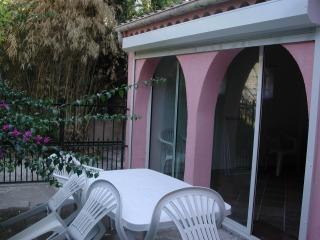 3 pieces in calm ideal family home with terrace - Juan-les-Pins vacation rentals