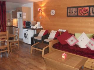 Convenient 2 bedroom Vacation Rental in Brides-les-Bains - Brides-les-Bains vacation rentals