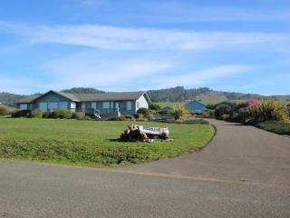 Serendipity - Ocean Views & path to the beach - Fort Bragg vacation rentals