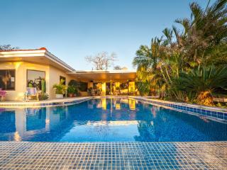 Perfect 3 bedroom House in Playa Yankee with Deck - Playa Yankee vacation rentals
