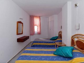1 bed.BEACH  APARTMENT- Los Cristianos. Guayero. - Santa Cruz de Tenerife vacation rentals
