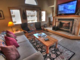 Nice House with Hot Tub and Wireless Internet - Keystone vacation rentals