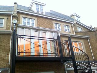 Luxury Bluewater Holiday Opal Red Suite - Greenhithe vacation rentals