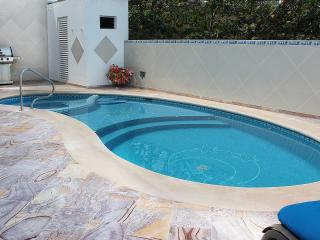 Beautiful House with Deck and Internet Access - Puerto Morelos vacation rentals