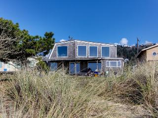 Oceanfront, dog-friendly beach house with amazing views & plenty of room! - Rockaway Beach vacation rentals