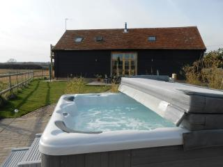 The Shire Stables Luxury Barn with Hot Tub - Maldon vacation rentals