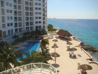 3 bedroom Condo with Internet Access in Cozumel - Cozumel vacation rentals