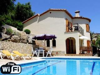 Nice 4 bedroom Calonge Villa with Internet Access - Calonge vacation rentals