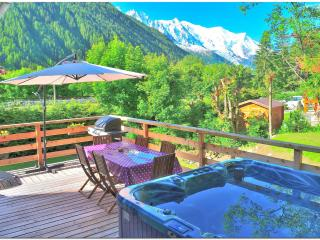 Good value 5 bedroom chalet with jacuzzi BBQ WiFi - Chamonix vacation rentals