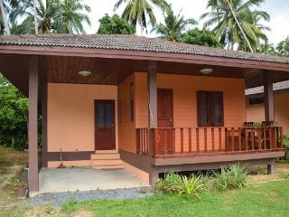 Cozy 2 bedroom Taling Ngam House with Internet Access - Taling Ngam vacation rentals