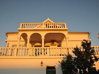 Villa Valic Appartement Comfort - Okrug Donji vacation rentals