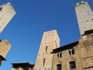 Immersive 2 Bedroom Vacation Rental - San Gimignano vacation rentals