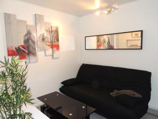 Cosy studio near Gare du Nord - Paris vacation rentals