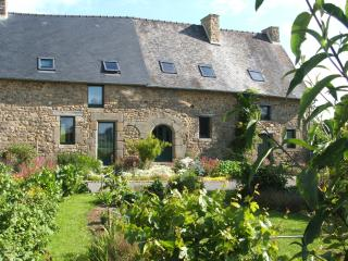 Typical 2 bedrooms cottage Mont St Michel Fougeres - Saint-Germain-en-Cogles vacation rentals