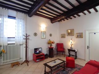 2 bedroom Condo with Internet Access in San Gimignano - San Gimignano vacation rentals