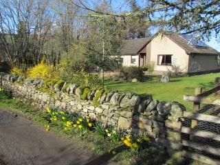 Comfortable Cottage with Internet Access and Satellite Or Cable TV - Dunkeld vacation rentals