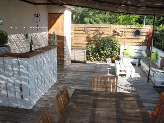 Bastidon 4 pers-clim-terrasse-piscine-jardin-park - La Motte vacation rentals