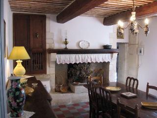 """Le mas de """"Petit-Jean"""" pour 10. Piscine privée - Saint-Remy-de-Provence vacation rentals"""