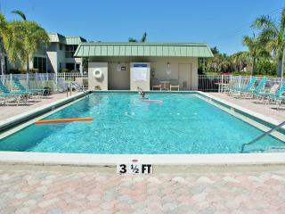 Nice Apartment with Internet Access and A/C - Fort Myers vacation rentals