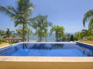 4 bedroom Condo with Water Views in La Cruz de Huanacaxtle - La Cruz de Huanacaxtle vacation rentals