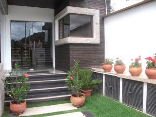 Comfortable 2 bedroom Apartment in Cuenca - Cuenca vacation rentals