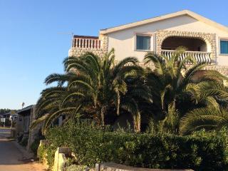Apartmani Stojanovic 6 personen - Vir vacation rentals