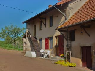 2 bedroom Gite with Internet Access in Dompierre-les-Ormes - Dompierre-les-Ormes vacation rentals