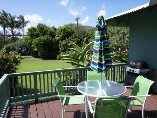 2 bedroom Cottage with Deck in Haleiwa - Haleiwa vacation rentals