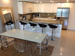 Ocean Reserve Charming Apartment (1,550 sq. ft.) - Sunny Isles Beach vacation rentals