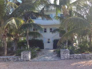 Beautiful Condo with Internet Access and Local Guides - Clarence Town vacation rentals