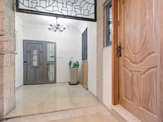 Cozy Condo with Internet Access and Towels Provided - Jerusalem vacation rentals